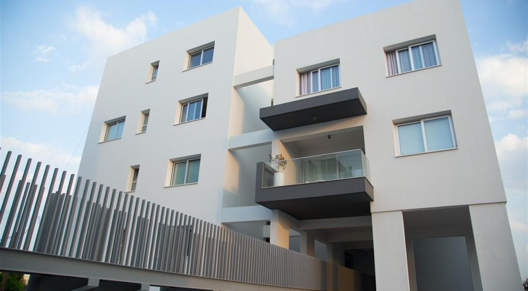 Spacious Luxury 3 Bedroom Apartment in a New Complex - 10