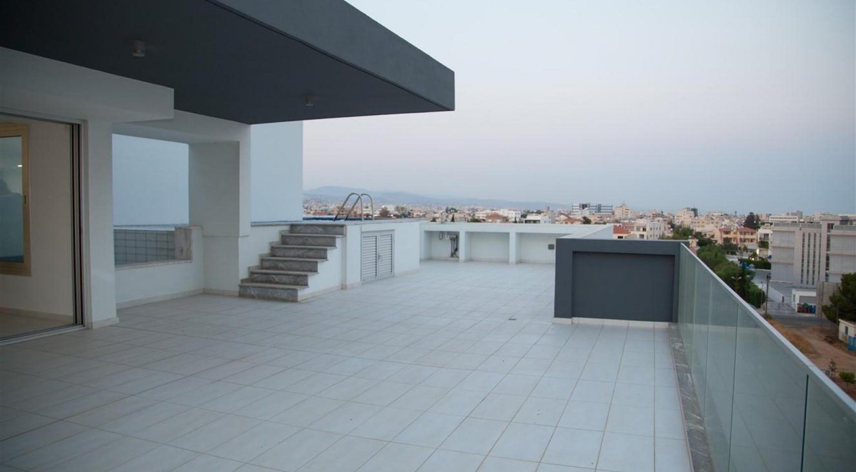 Elite 3 Bedroom Penthouse with Private Swimming Pool on the Roof - 25
