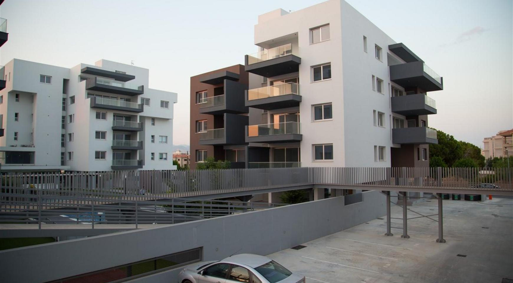 Spacious Luxury 3 Bedroom Apartment in a New Complex - 16