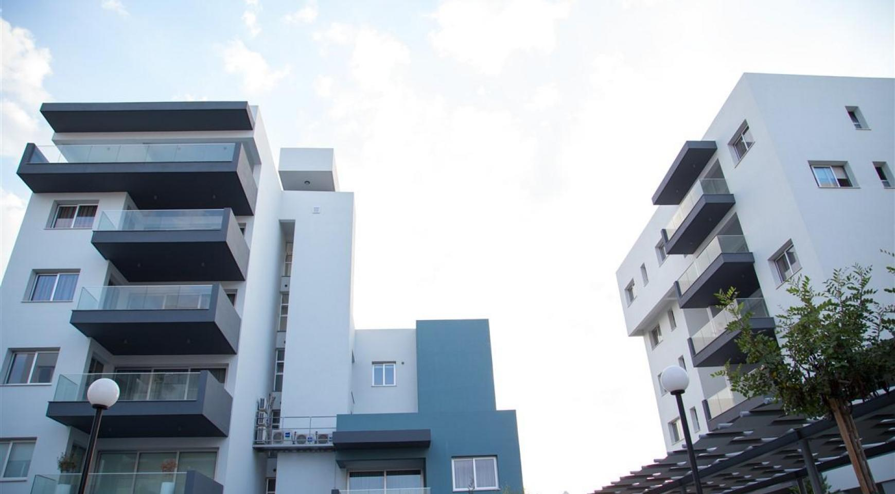 Spacious Luxury 3 Bedroom Apartment in a New Complex - 11
