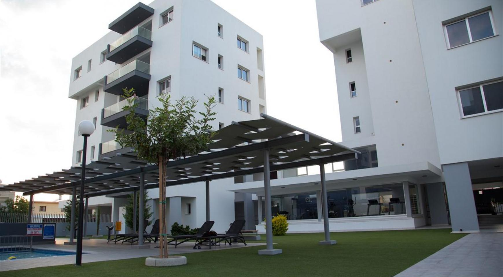 Spacious Luxury 3 Bedroom Apartment in a New Complex - 9