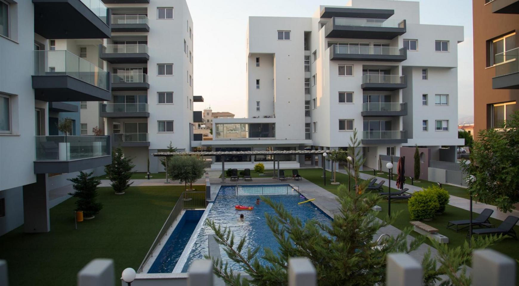 Luxury 2 Bedroom Apartment in a New Complex - 14