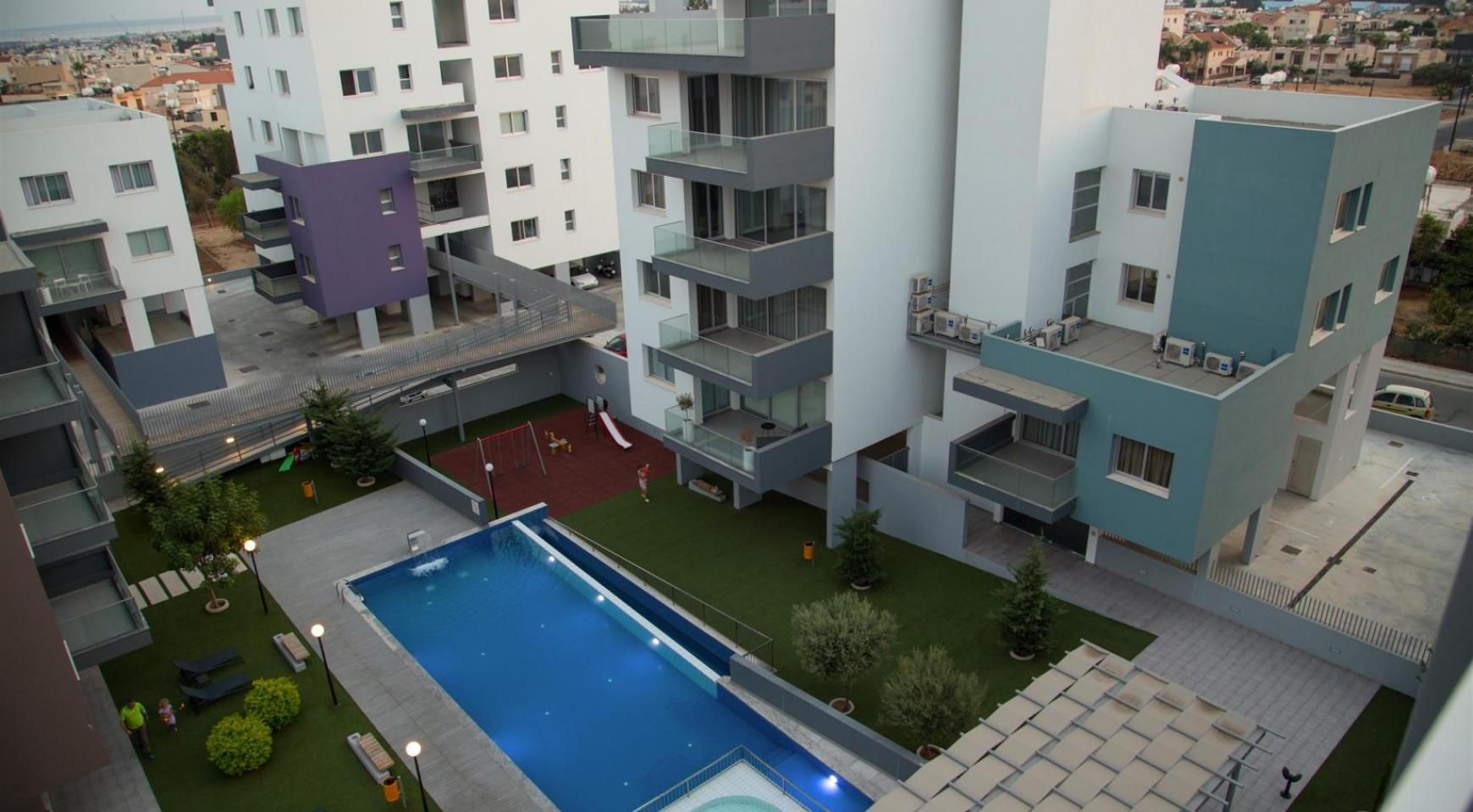 Luxury 2 Bedroom Top-Floor Apartment in a New Complex - 6