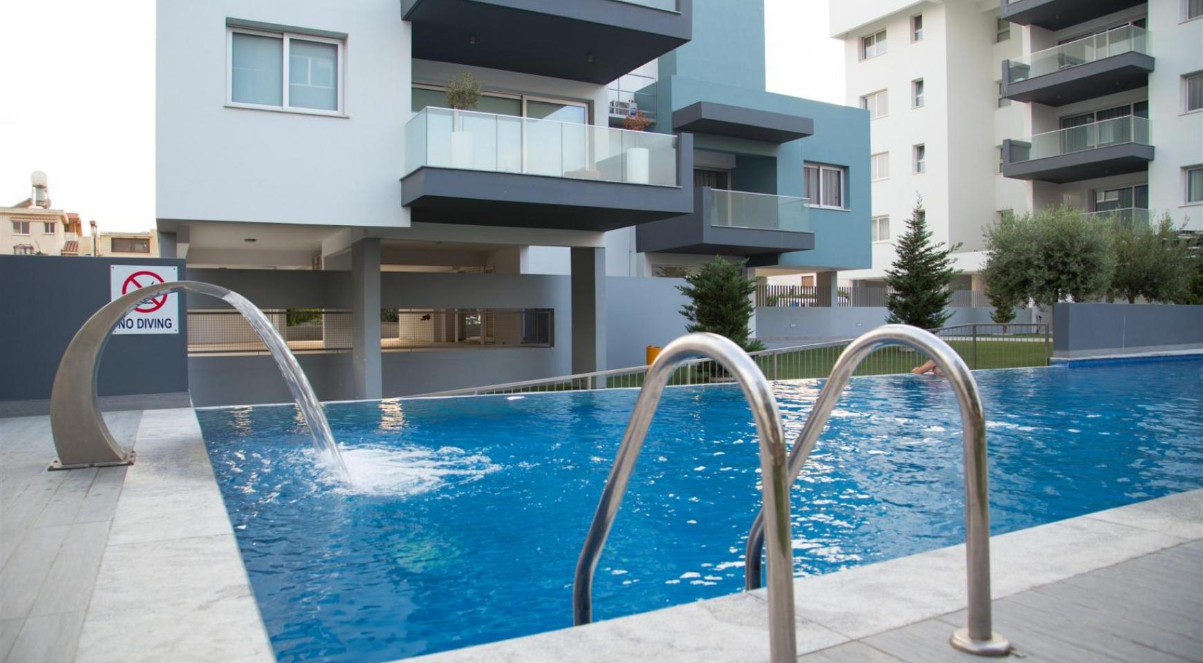 Luxury 2 Bedroom Top-Floor Apartment in a New Complex - 4