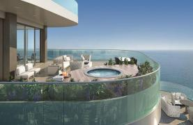 Luxurious 4 Bedroom Apartment in an Exclusive Seafront Project   - 12
