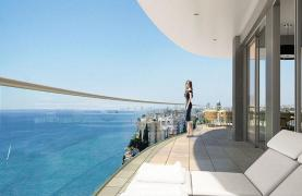 Luxurious 4 Bedroom Apartment in an Exclusive Seafront Project   - 11