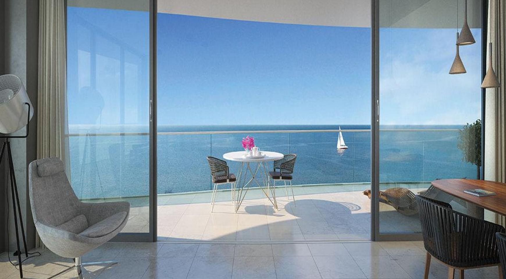 Luxurious 4 Bedroom Apartment in an Exclusive Seafront Project   - 7