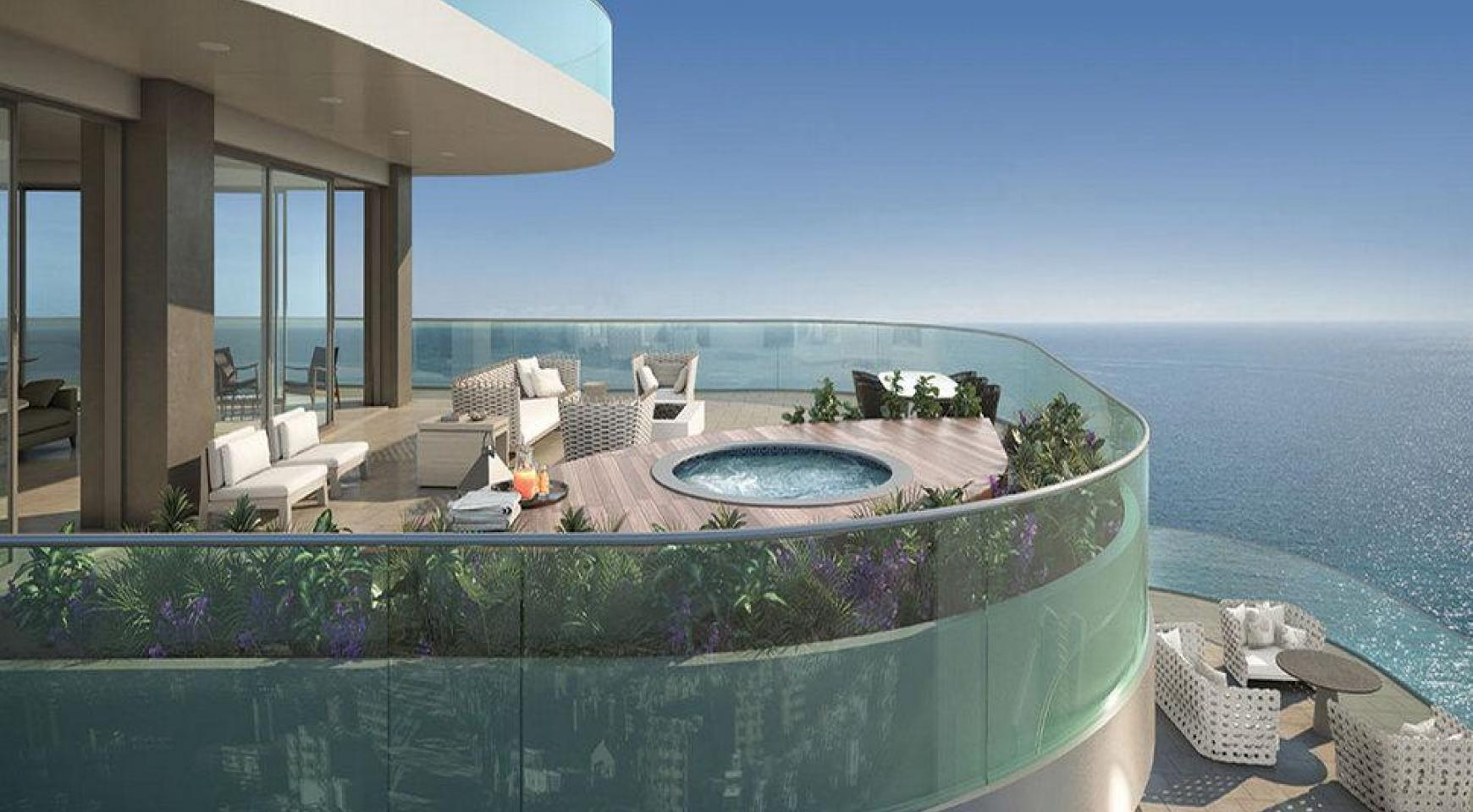 Luxurious 4 Bedroom Apartment in an Exclusive Seafront Project   - 3