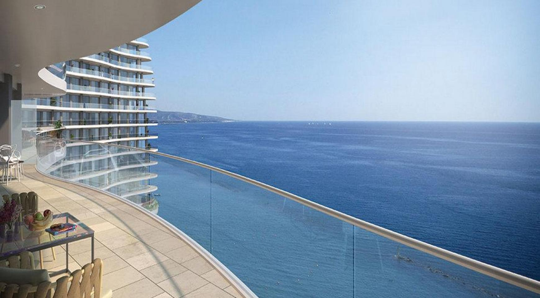 4 Bedroom Apartment in an Exclusive Seafront Project   - 1