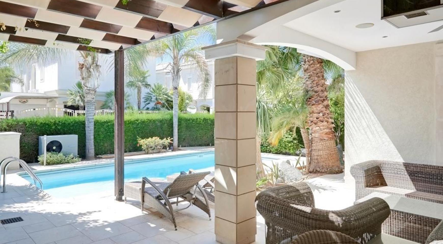 Beautiful 3 Bedroom Villa in a Prestigious Complex - 5