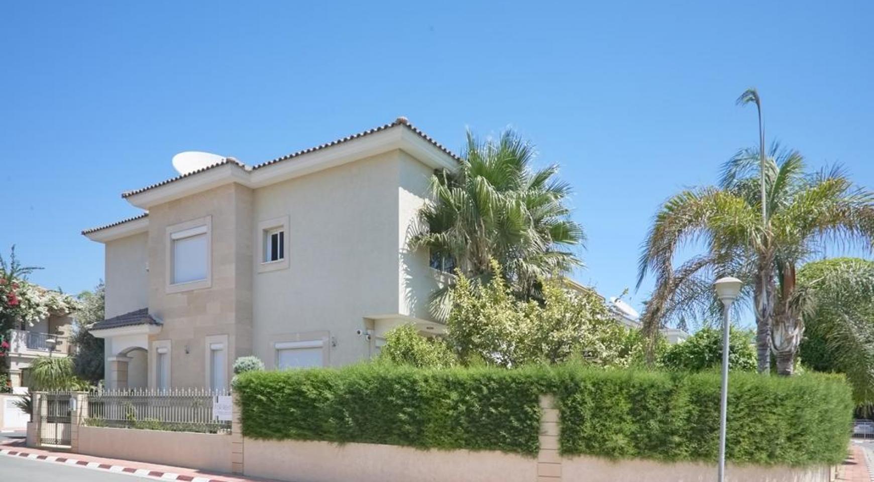 Beautiful 3 Bedroom Villa in a Prestigious Complex - 6