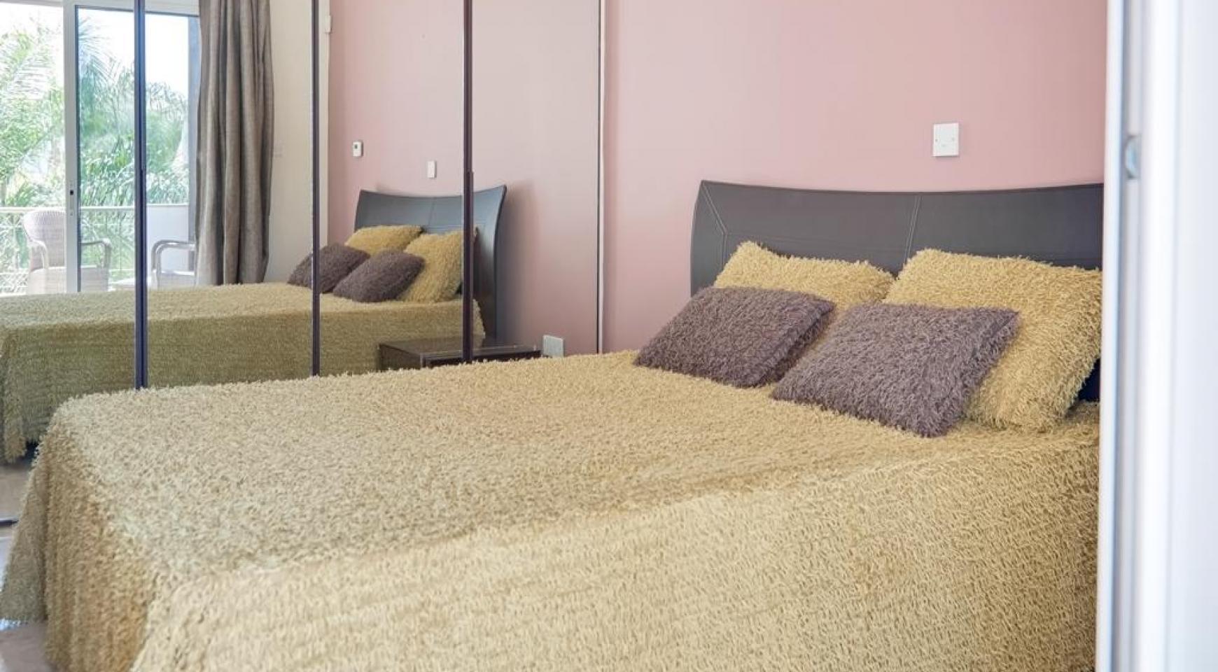 Beautiful 3 Bedroom Villa in a Prestigious Complex - 18