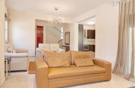 Beautiful 3 Bedroom Villa in a Prestigious Complex - 34
