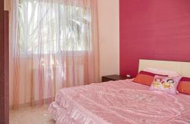 Beautiful 3 Bedroom Villa in a Prestigious Complex - 43