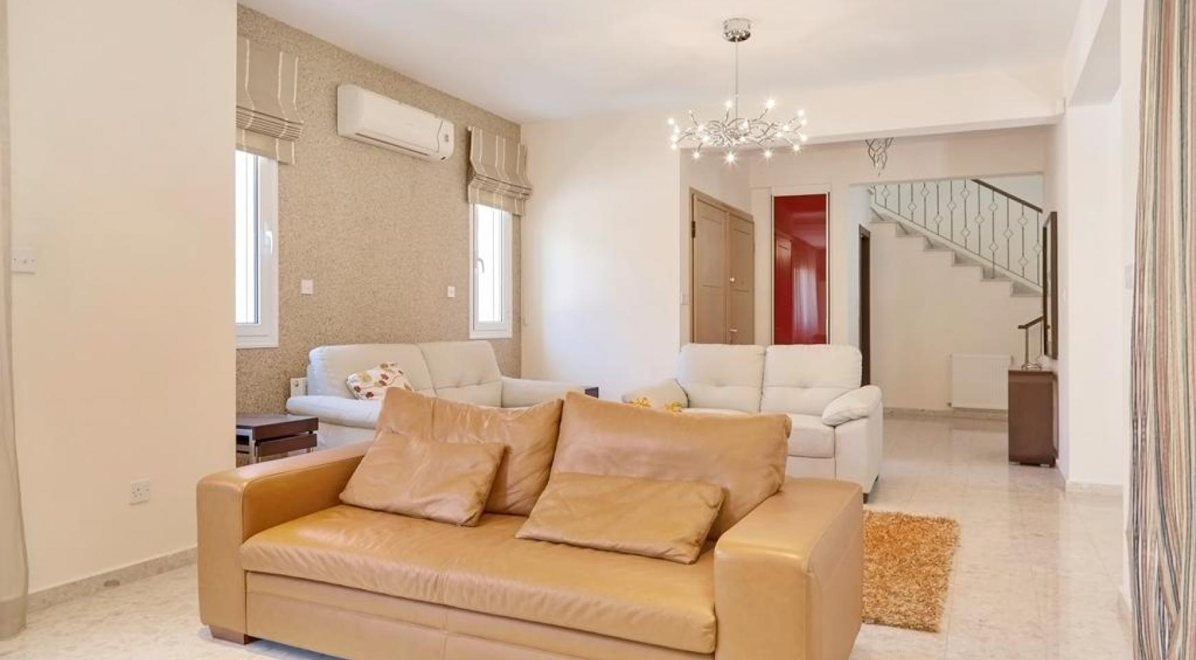 Beautiful 3 Bedroom Villa in a Prestigious Complex - 8