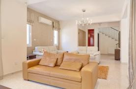 Beautiful 3 Bedroom Villa in a Prestigious Complex - 32