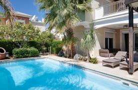 Beautiful 3 Bedroom Villa in a Prestigious Complex - 27