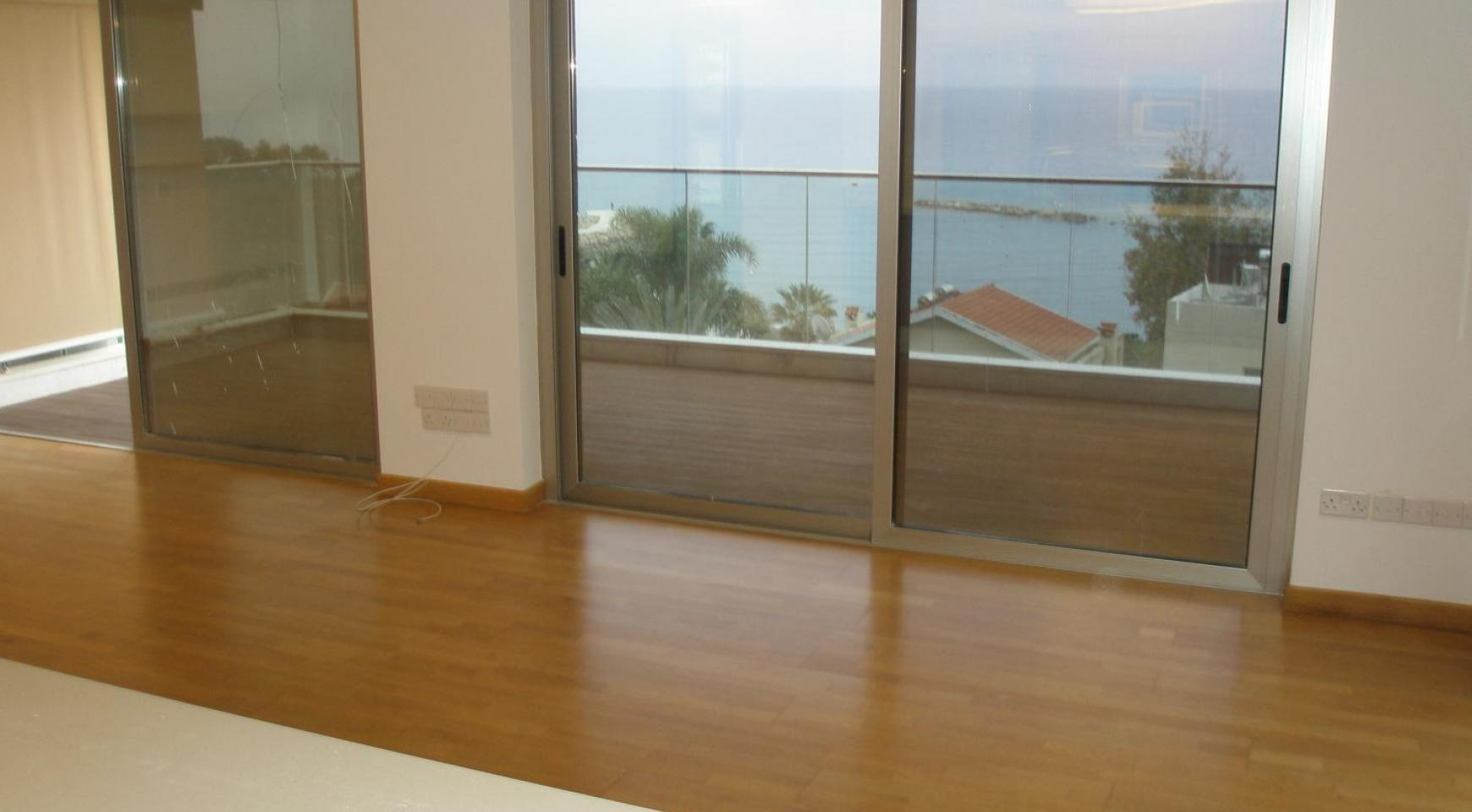 Luxury 2 Bedroom Apartment with Amazing Sea Views - 23