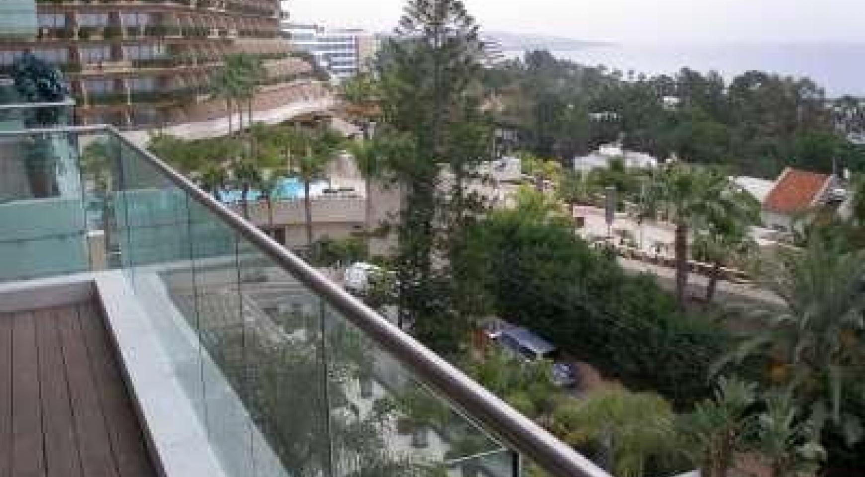 Luxury 2 Bedroom Apartment with Amazing Sea Views - 15