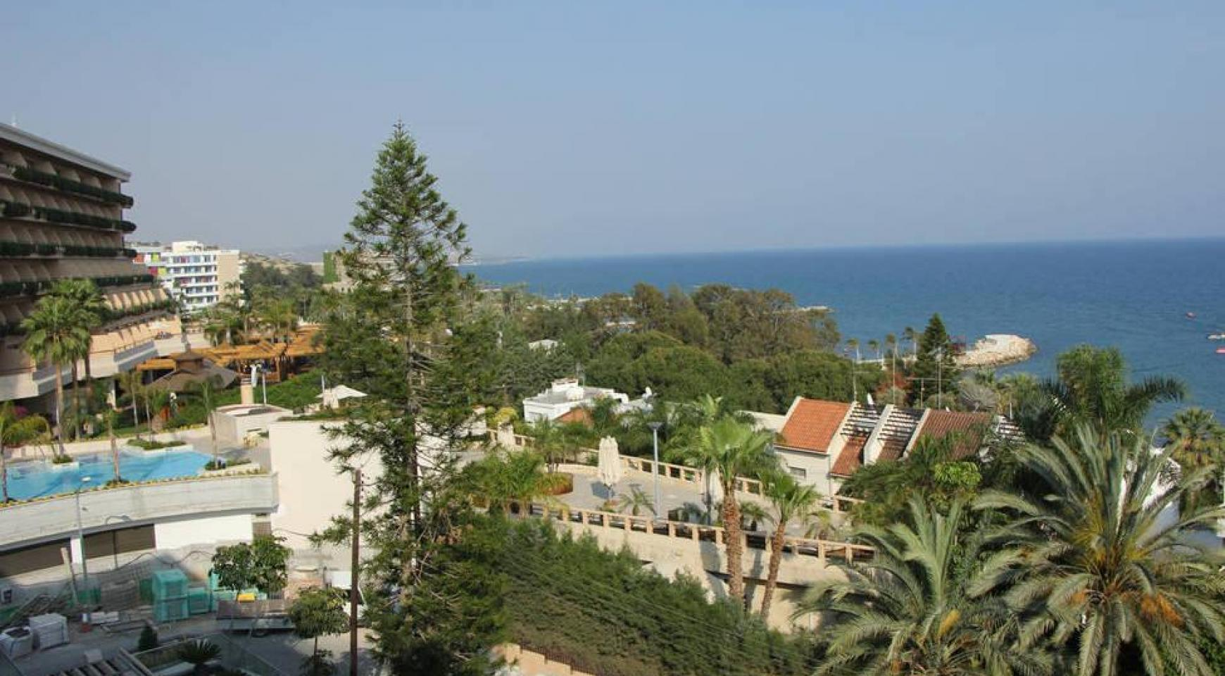 Luxury 2 Bedroom Apartment with Amazing Sea Views - 1