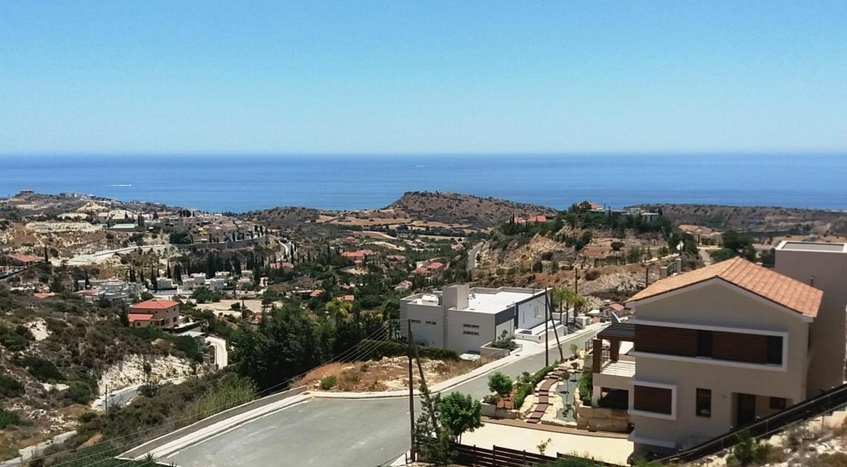 Luxury 4 Bedroom Villa with Stunning Sea Views in Agios Tychonas - 3