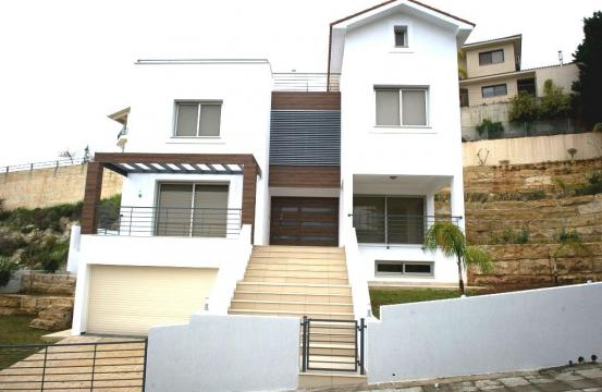 Luxury 4 Bedroom Villa with Stunning Sea Views in Agios Tychonas
