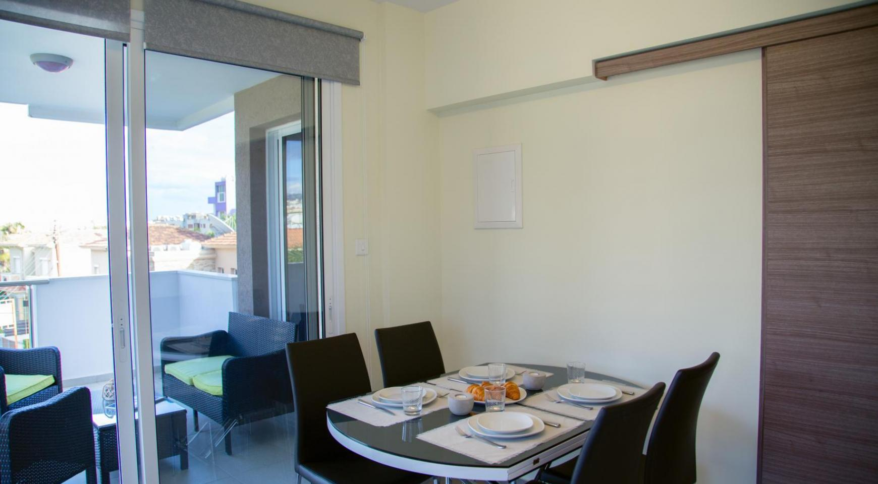 Luxury 2 Bedroom Apartment in the Tourist Area - 20