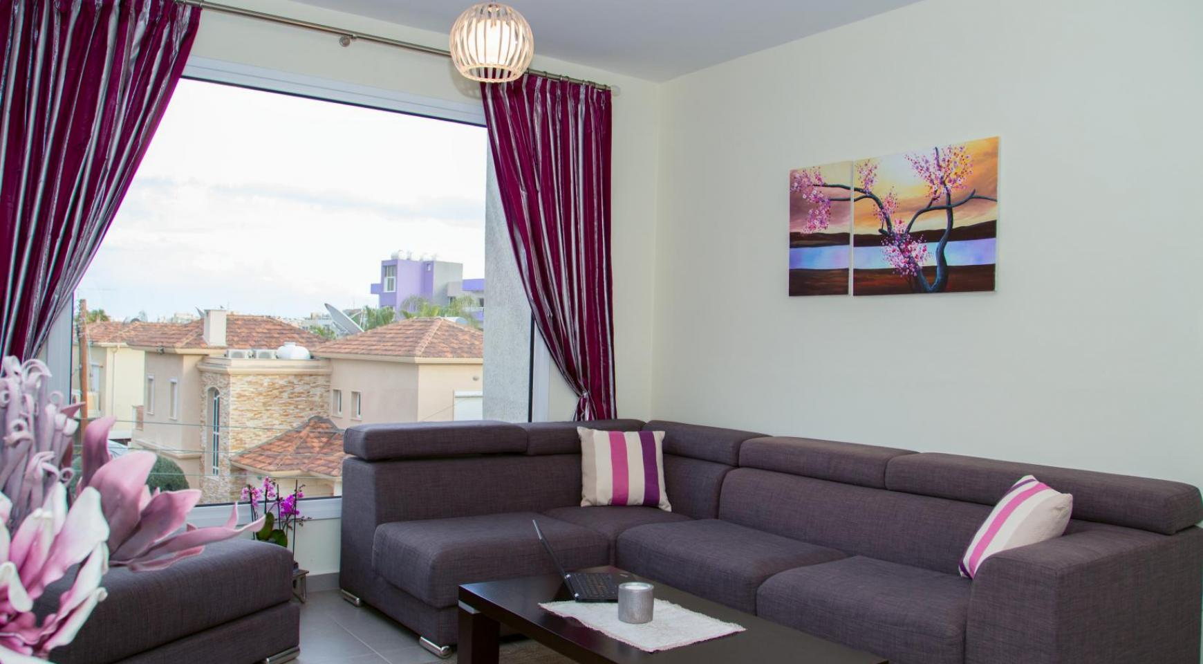 Luxury 2 Bedroom Apartment in the Tourist Area - 3