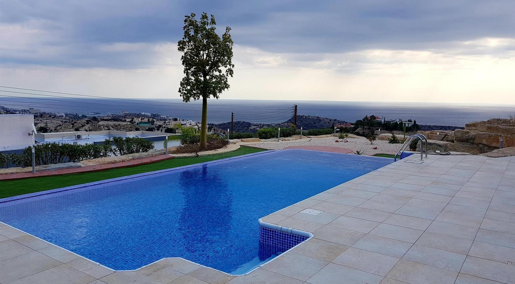 Luxurious 6 Bedroom Villa with Breathtaking Sea Views - 6