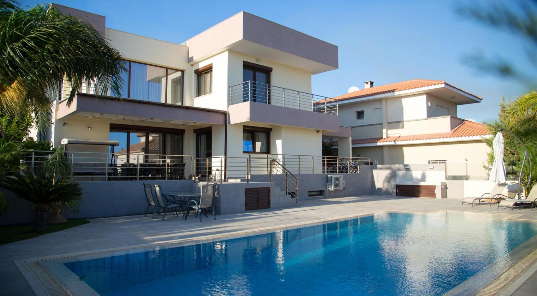 Luxurious Modern Villa with Breathtaking Sea Views in Sfalaggiotissa Area - 1