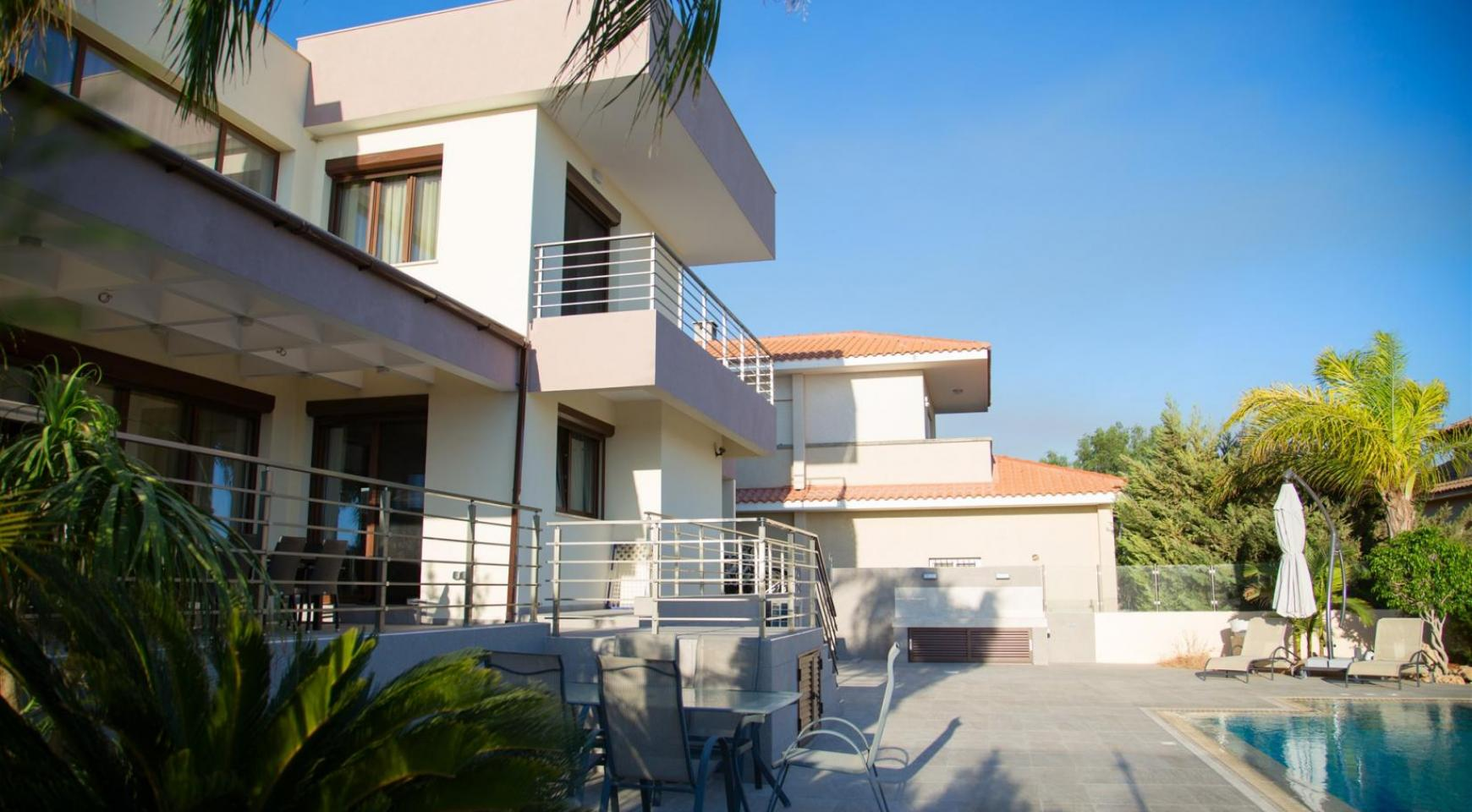 Luxurious Modern Villa with Breathtaking Sea Views in Sfalaggiotissa Area - 6