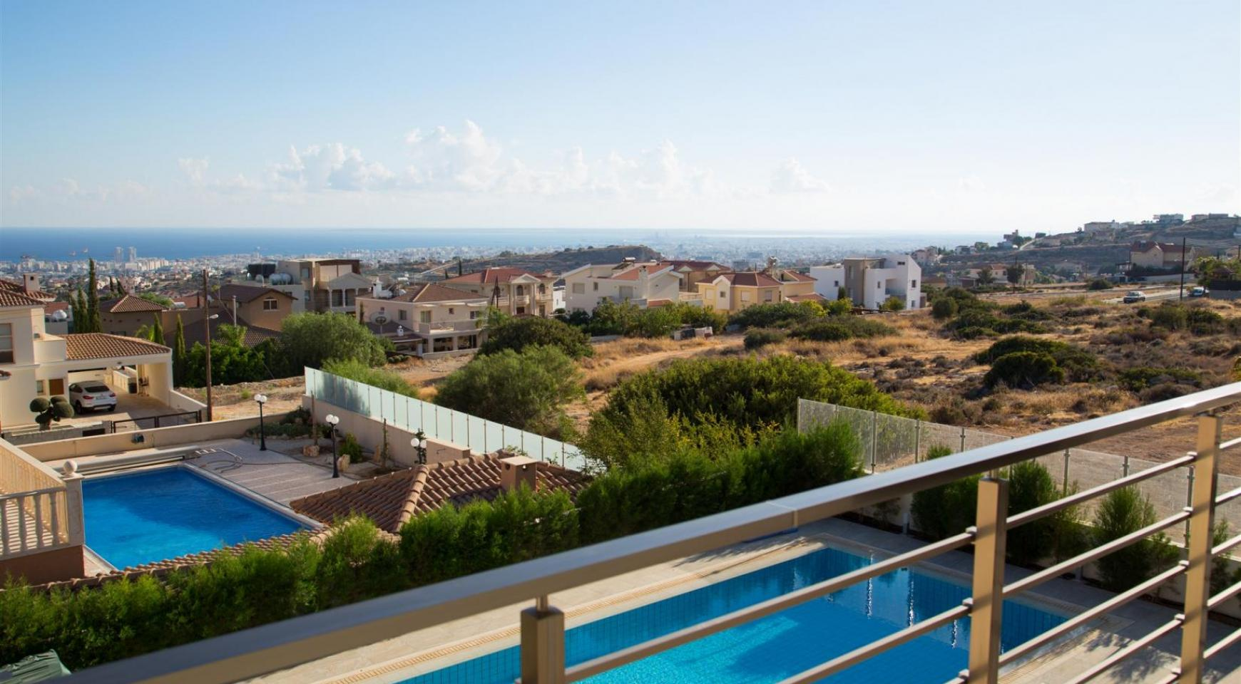 Luxurious Modern Villa with Breathtaking Sea Views in Sfalaggiotissa Area - 9