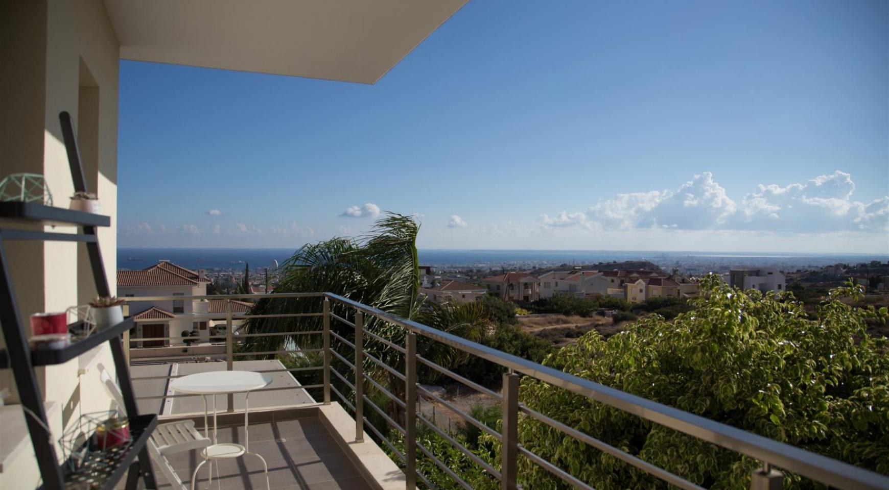Luxurious Modern Villa with Breathtaking Sea Views in Sfalaggiotissa Area - 12