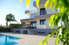 Luxurious Modern Villa with Breathtaking Sea Views in Sfalaggiotissa Area - 58