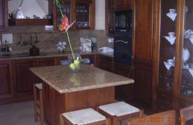 Classic Style 4 Bedroom Villa with Sea Views in Mesovounia Area - 28