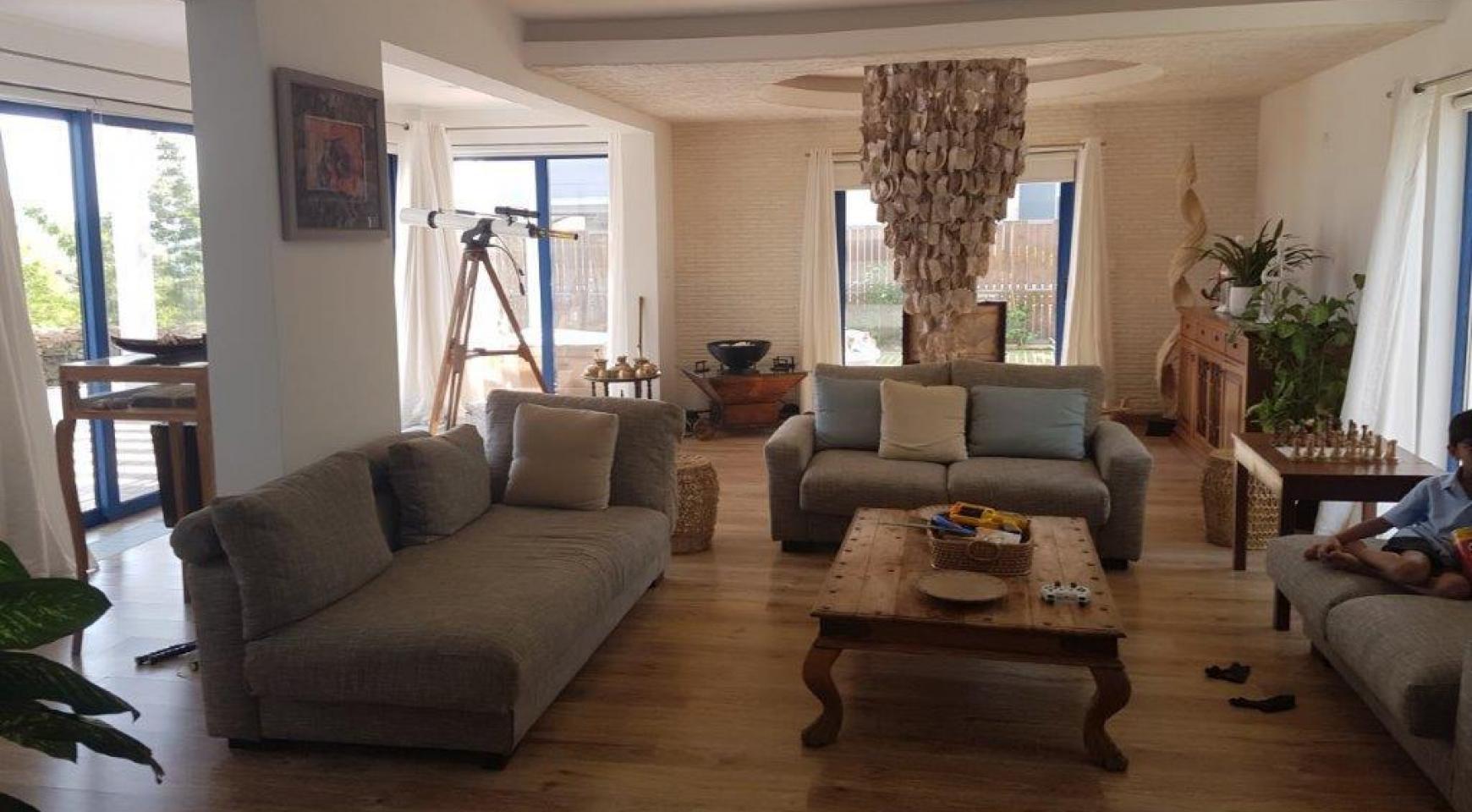 5 Bedroom Villa with Sea Views in Agios Tychonas Area - 11