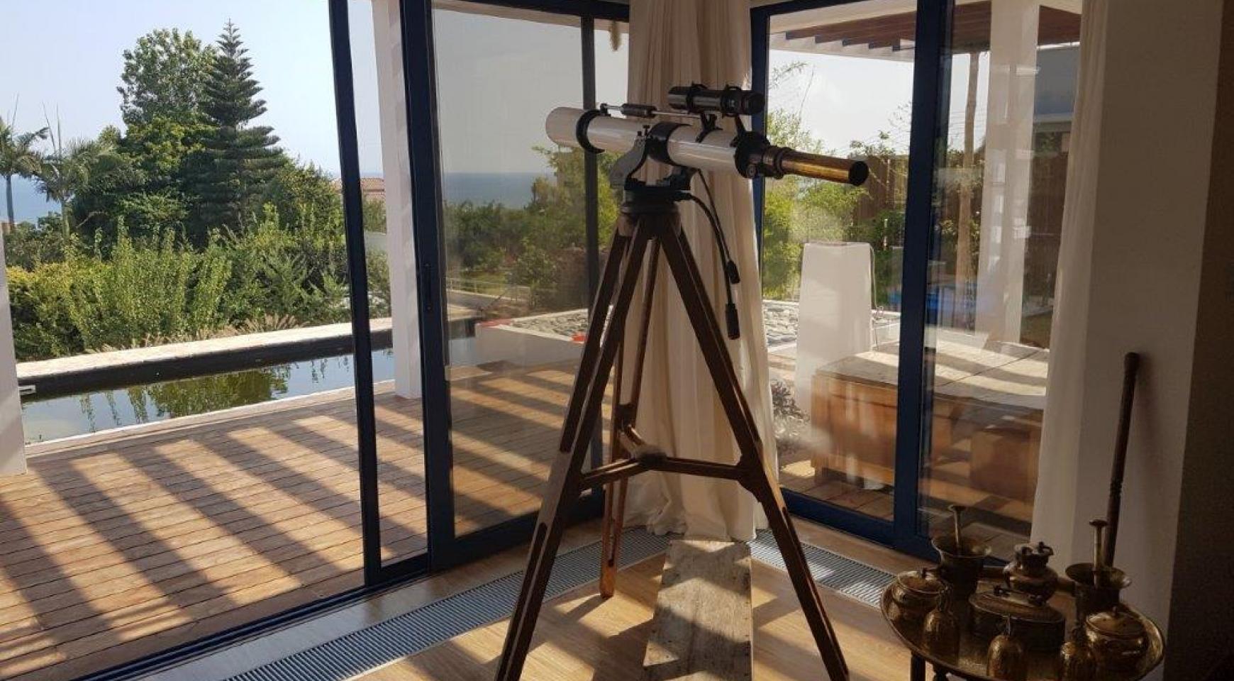 5 Bedroom Villa with Sea Views in Agios Tychonas Area - 13
