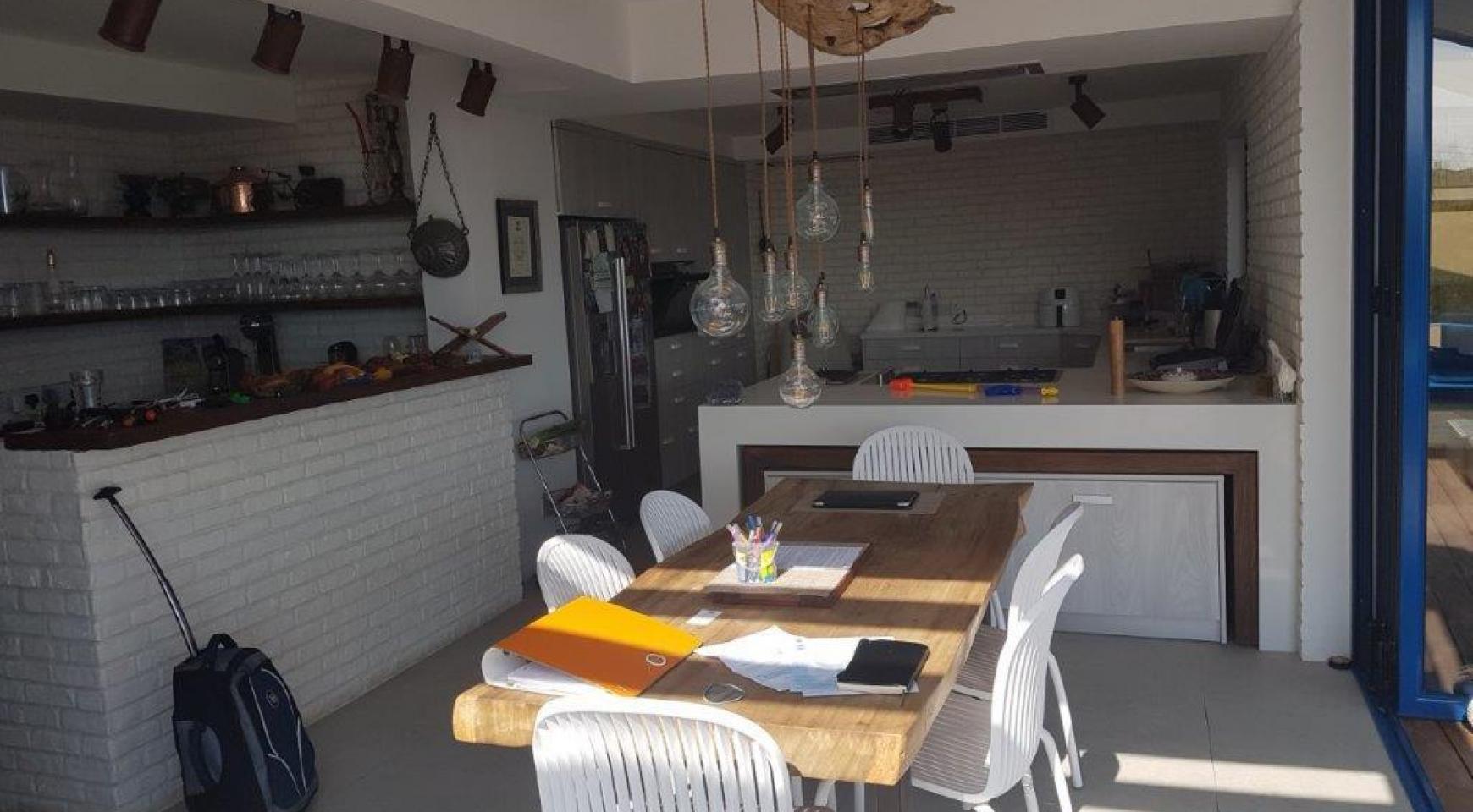 5 Bedroom Villa with Sea Views in Agios Tychonas Area - 12