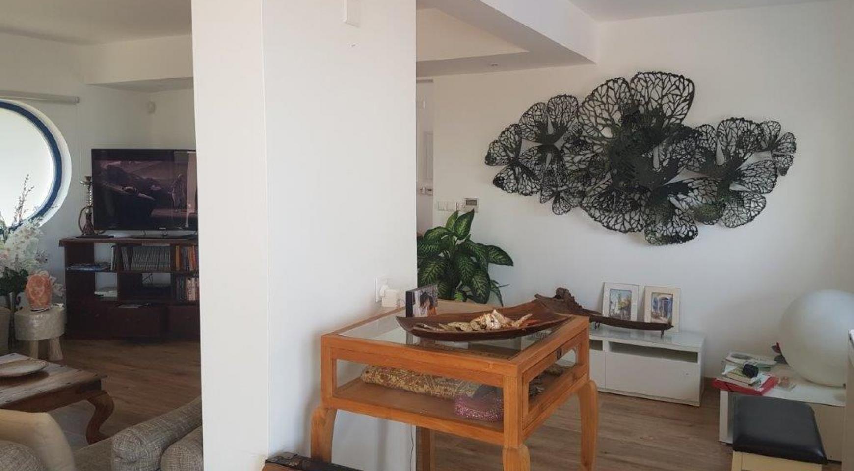 5 Bedroom Villa with Sea Views in Agios Tychonas Area - 14