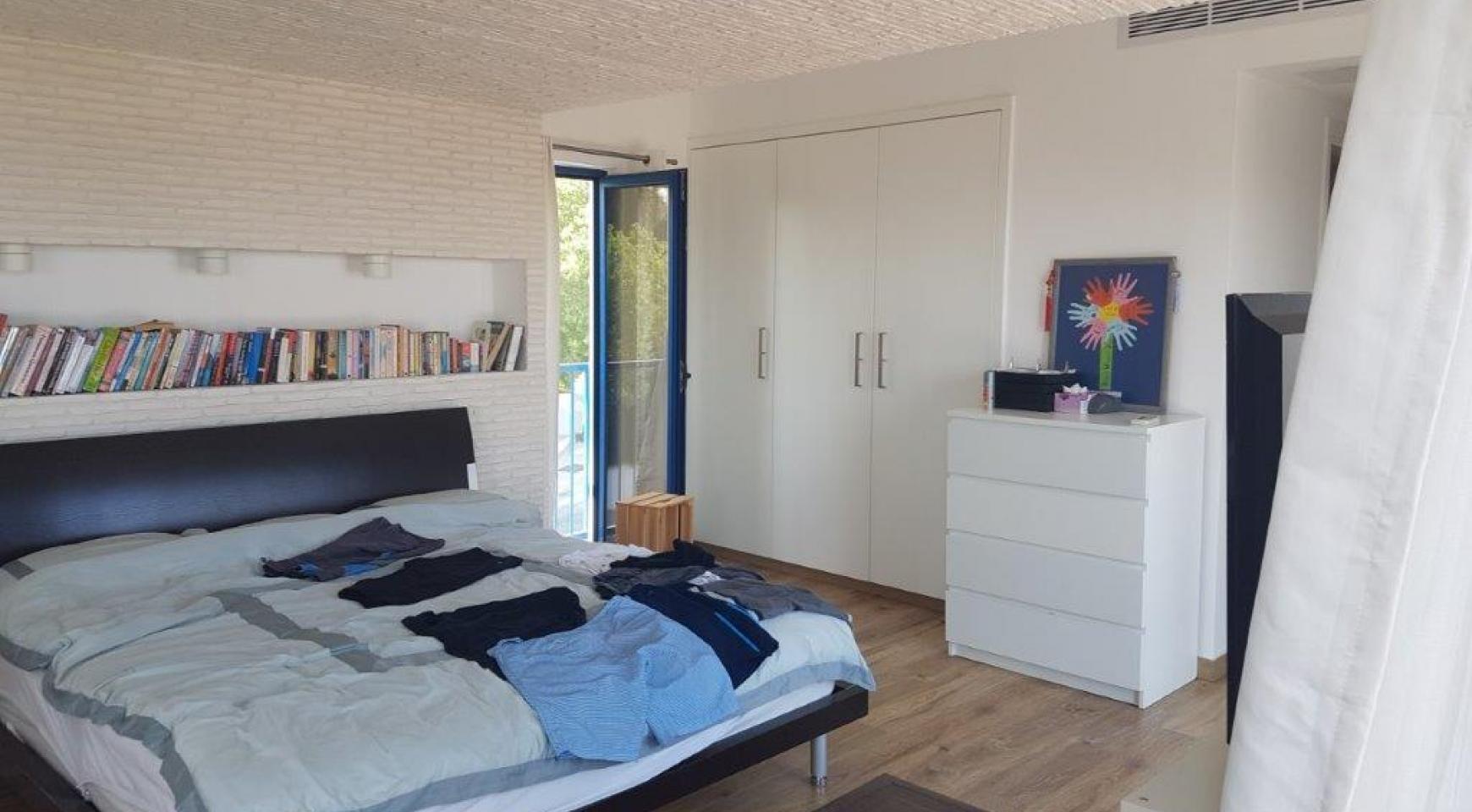 5 Bedroom Villa with Sea Views in Agios Tychonas Area - 19