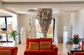5 Bedroom Villa with Sea Views in Agios Tychonas Area - 38