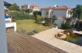 5 Bedroom Villa with Sea Views in Agios Tychonas Area - 25