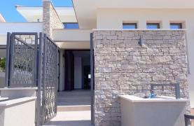 New Luxurious 4 Bedroom Villa With Sea Views in Messovounia - 19