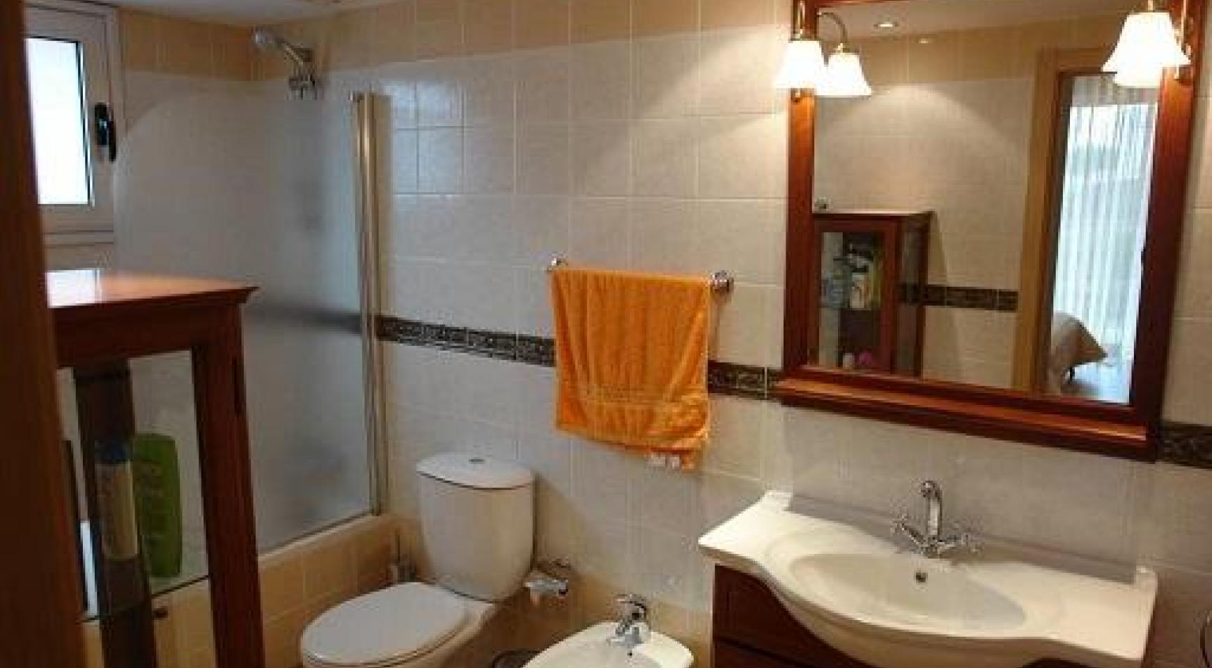Cozy 3 Bedroom Apartment by the Sea in Potamos Germasogeia  - 14