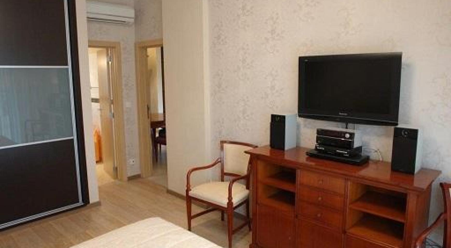 Cozy 3 Bedroom Apartment by the Sea in Potamos Germasogeia  - 9