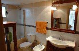 Cozy 3 Bedroom Apartment by the Sea in Potamos Germasogeia  - 34