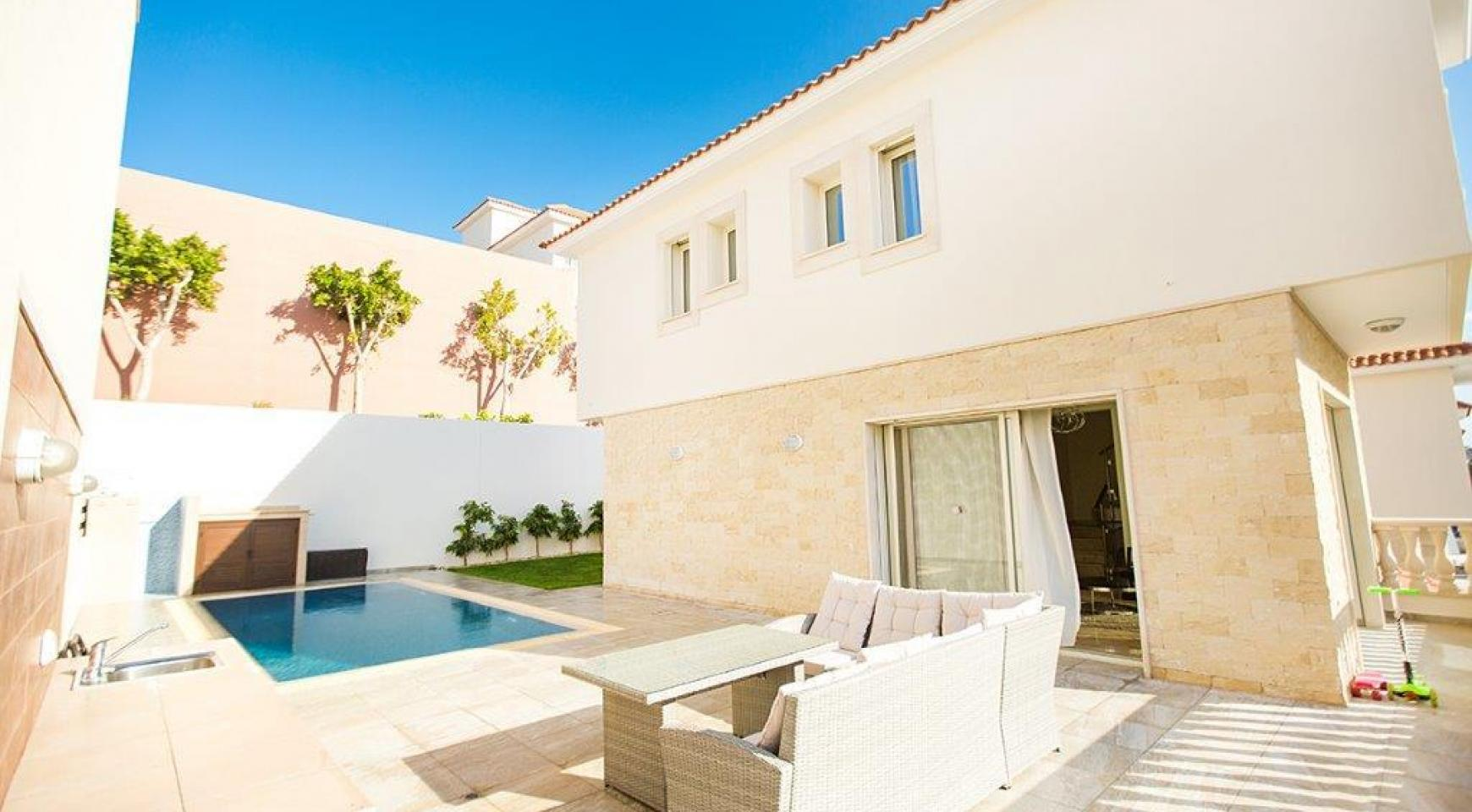 New Modern 3 Bedroom Villa in Mouttagiaka Area - 2