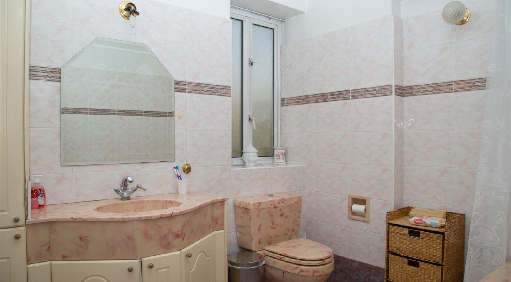 Spacious 4 Bedroom Villa in Germasogeia - 21