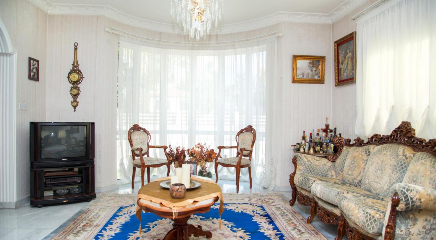 Spacious 4 Bedroom Villa in Germasogeia - 12