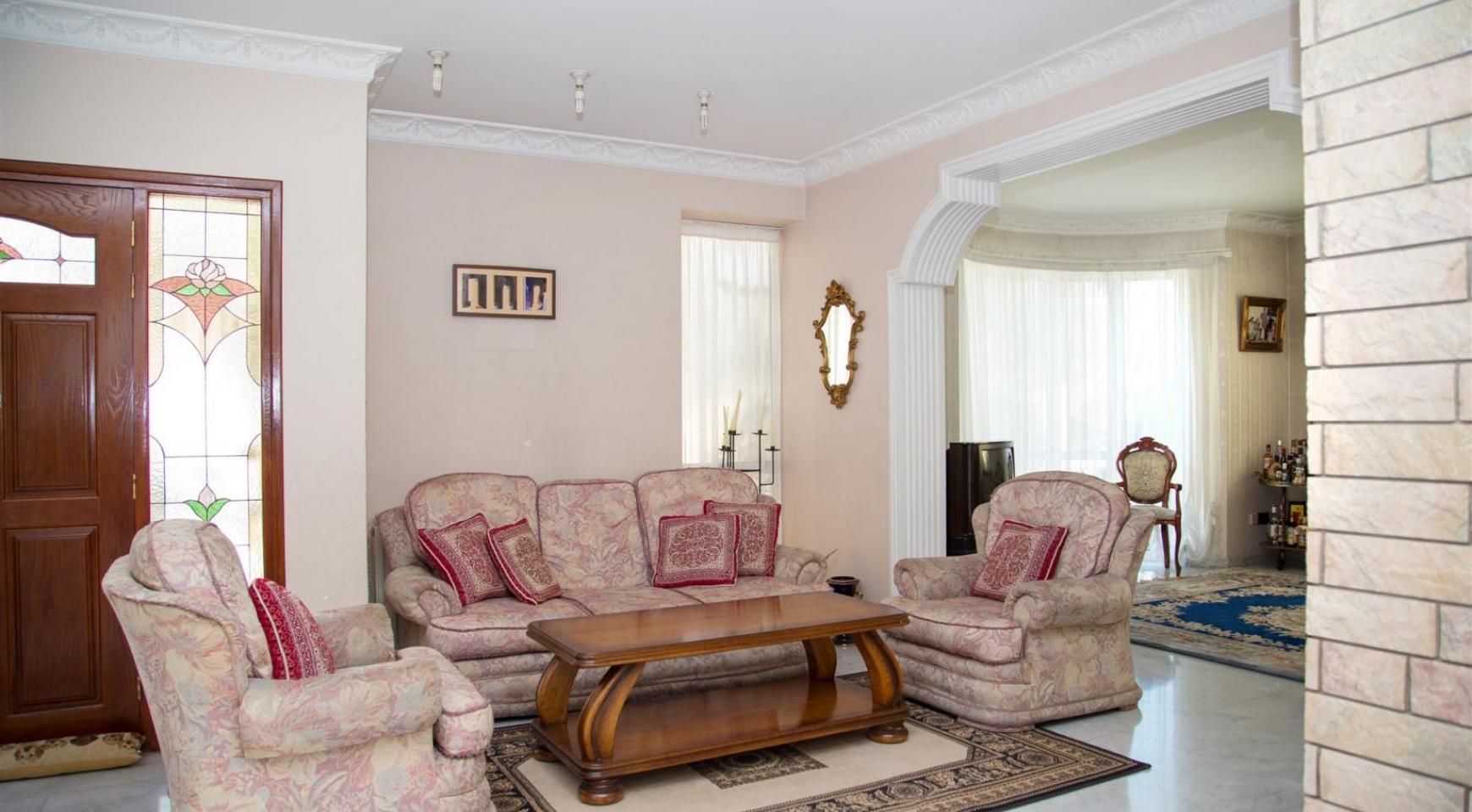 Spacious 4 Bedroom Villa in Germasogeia - 7
